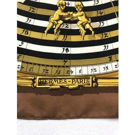Hermès-Carrés-Marron,Noir,Blanc,Doré