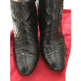 buy popular 132a2 7dec4 Second hand Christian Louboutin Ankle boots - Joli Closet