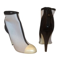 ... Chanel-Bottines Chanel-Noir,Blanc,Blanc cassé 8ce8210d239