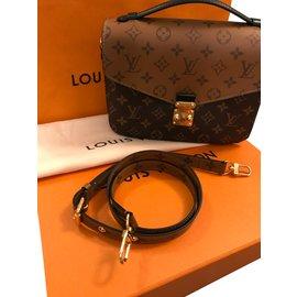 Louis Vuitton-Métis reverse-Caramel