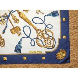 Hermès-Carré-Bleu Marine