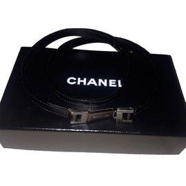 Chanel-Ceintures-Noir