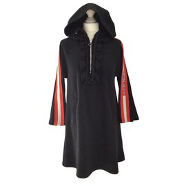 Gucci-Robes-Noir