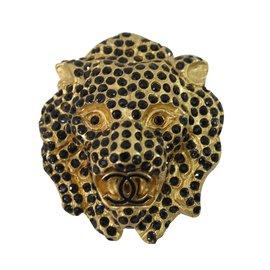 Chanel-lion-Doré