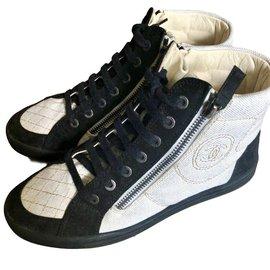 Chanel-Baskets-Noir,Blanc