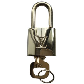 Louis Vuitton-Padlock-Golden
