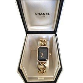 Chanel-Premiere-Black