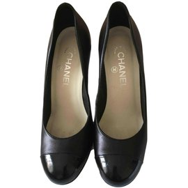 Chanel-Escarpins-Noir