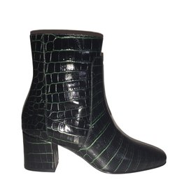 a1fc6e98c5f4 Chaussures luxe occasion - Joli Closet