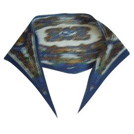 fef6da3cff8c Hermès-carre plissé-Blanc,Bleu ...