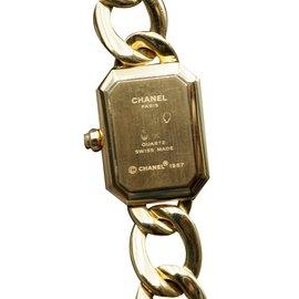 Chanel-Montre-Doré
