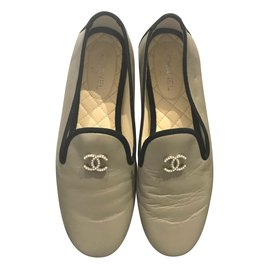 Chanel-Pearl CC metallic loafers-Beige