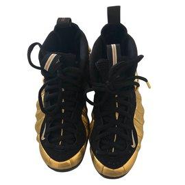 Nike-Air Foamposite Pro-Black,Golden