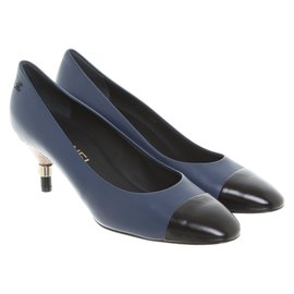 Chanel-pumps-Blue