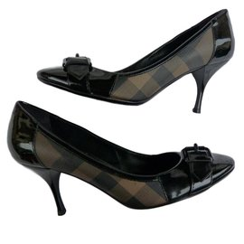 Burberry-Heels-Black,Light brown