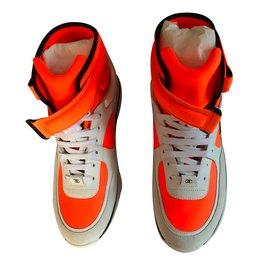 Chanel-Baskets-Orange