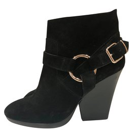 Burberry-Buckled ankle boots-Black