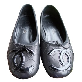 Chanel-Ballerines-Noir