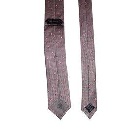 Chanel-Krawatten-Pink,Grau