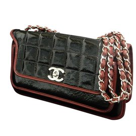Chanel-Choco Bar Patent Black-Red