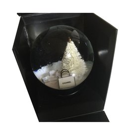 Chanel-Snowball-Black