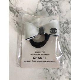 Chanel-Élastique noeud CC-Noir,Blanc