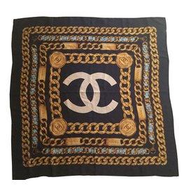 Chanel-foulard-Bleu