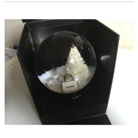 Chanel-Snow globe-Black