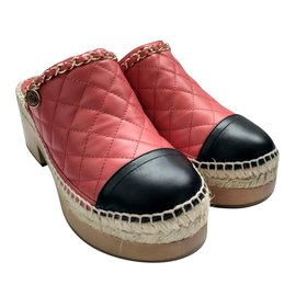 Chanel-Slippers-Red