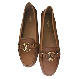 Louis Vuitton-Dauphine Flat Loafer-Cognac