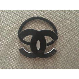 Chanel-Bandeau-Noir