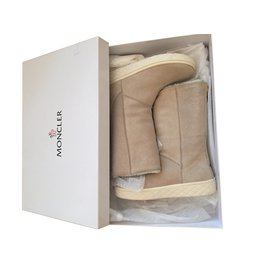 Moncler-Winter boots-Beige