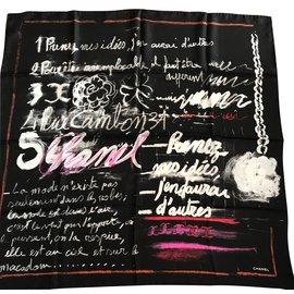 Chanel-Foulard soie-Noir