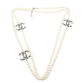 Chanel-necklace-Black,White