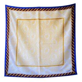 Chanel-Foulard en soie à monture bleue-Multicolore