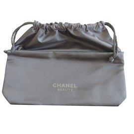 Chanel-Trousse de toilette-Noir
