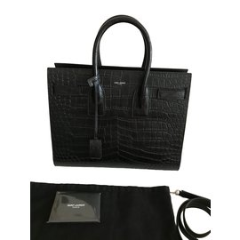 f34d9aa4b3f0 Second hand Luxury and Designer - Joli Closet