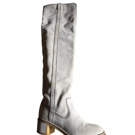 Chanel-Boots-Beige