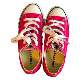 Converse-Sneakers-Pink