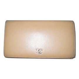 Chanel-CHANEL beige caviar leather wallet-Beige