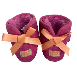 Ugg-Boots-Orange,Fuschia