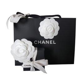 Chanel-Alfinetes e broches-Dourado