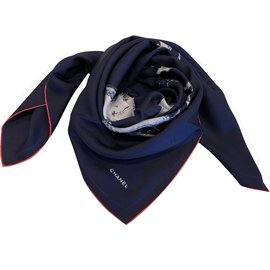 Chanel-Carre soie-Bleu Marine