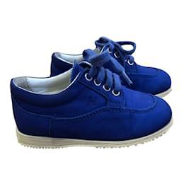 Hogan-Trainer schnüren sich Schuhe-Blau