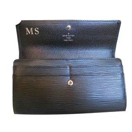 Louis Vuitton-Portefeuille Sarah en cuir épi noir-Noir
