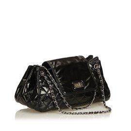 Chanel-Sac à rabat accordéon en cuir verni-Noir
