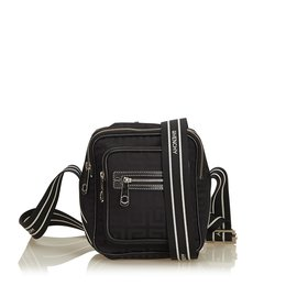 93f6cb6c63fc Second hand Givenchy Handbags - Joli Closet