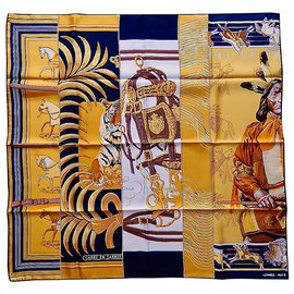 Accessoires luxe occasion - Joli Closet fb40d5f3953