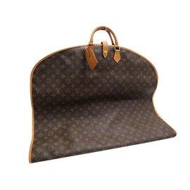 7fa399df9fdb Louis Vuitton-Couverture de vêtement-Autre ...