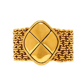 Chanel-Bracelet-Golden
